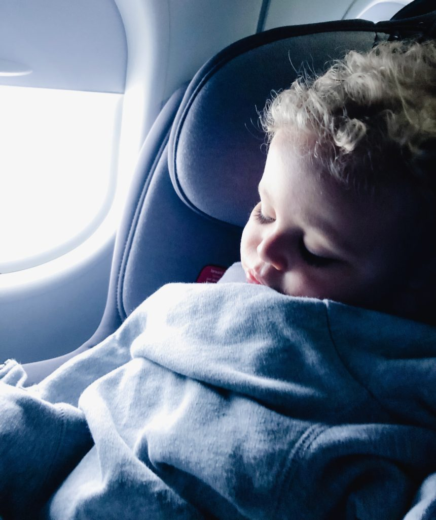air-travel-with-kids