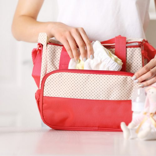 Diaper Bag Essentials: What to Pack in Your Diaper Bag for a Newborn
