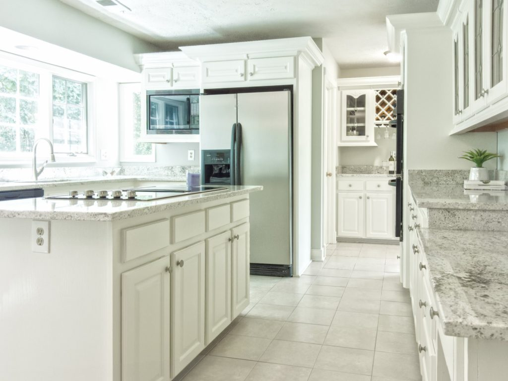 baby-proof-cabinets-without-drilling